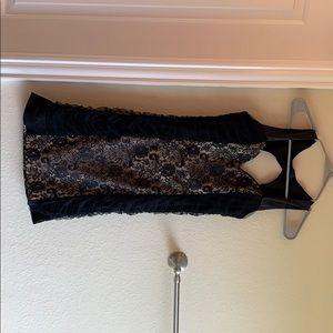 Dresses & Skirts - Lace bodycon dress